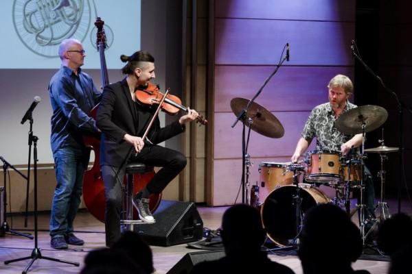 2017-jazzkrakow-adam-baldych-helge-lien-02