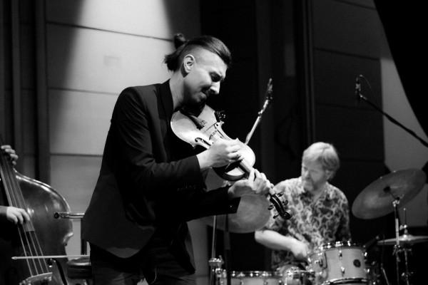 2017-jazzkrakow-adam-baldych-helge-lien-13